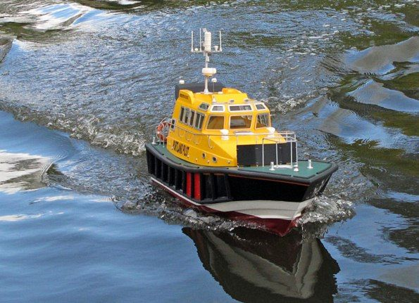 Interceptor 42 Pilot Boat - Build Features